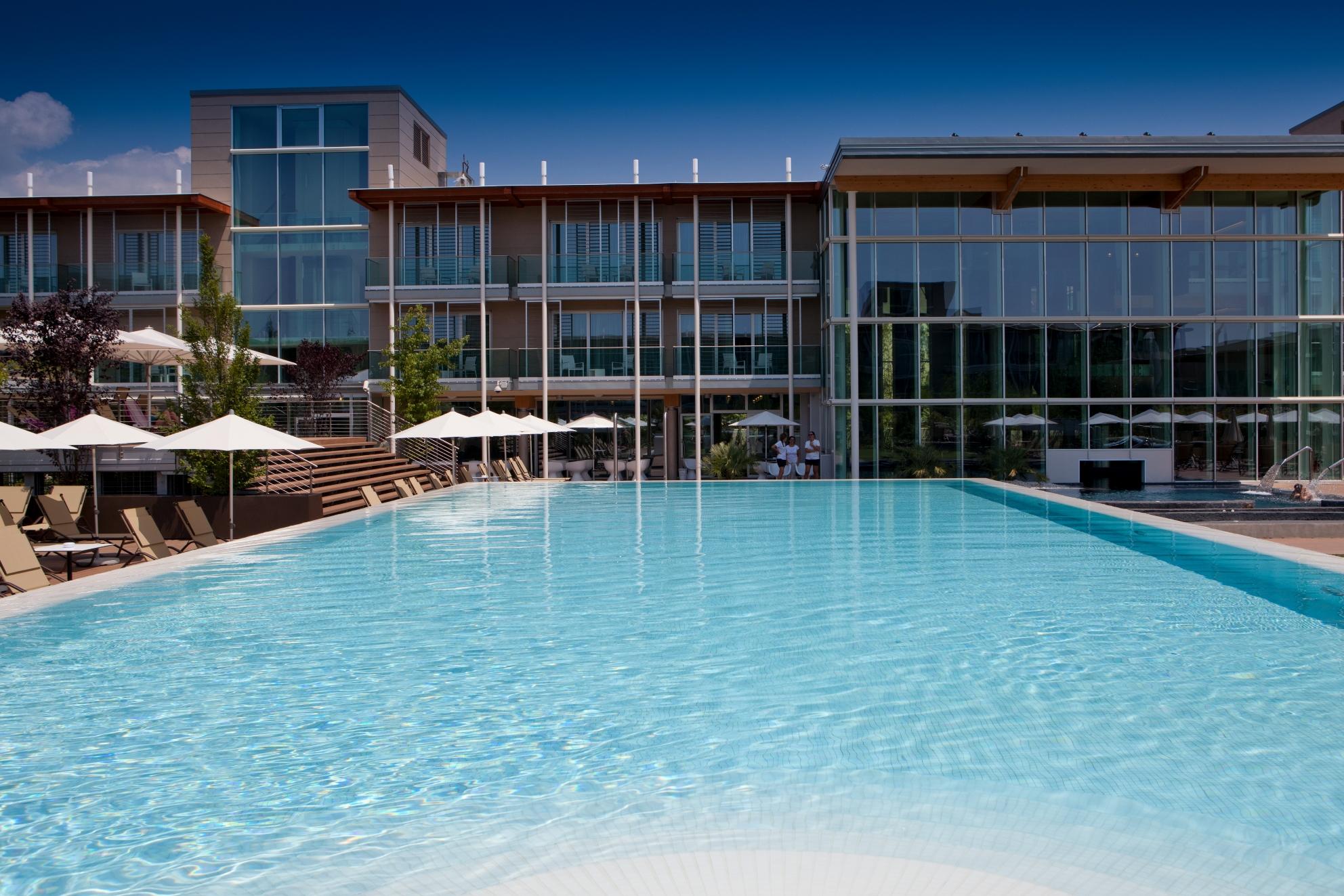 Aqualux Hotel Spa Suite & Terme_Infinity Pool