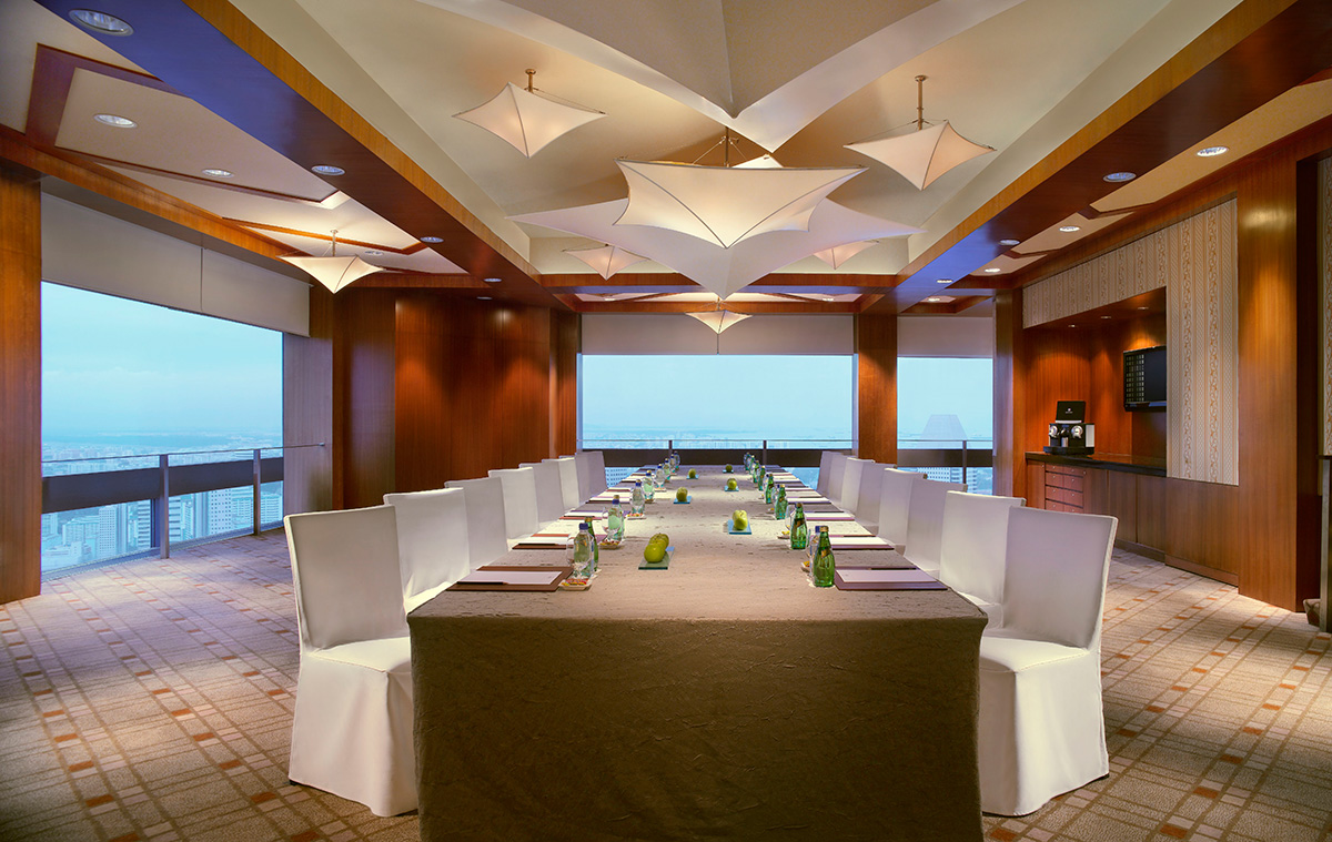 Equinox-Private-Dining-Room—Meeting-Set-up
