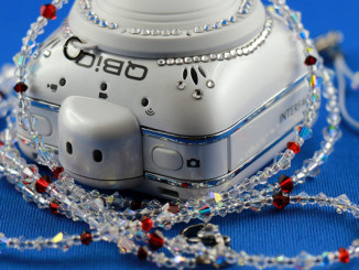 Action Camera ELMO QBiC mit Swarovski-Dekor