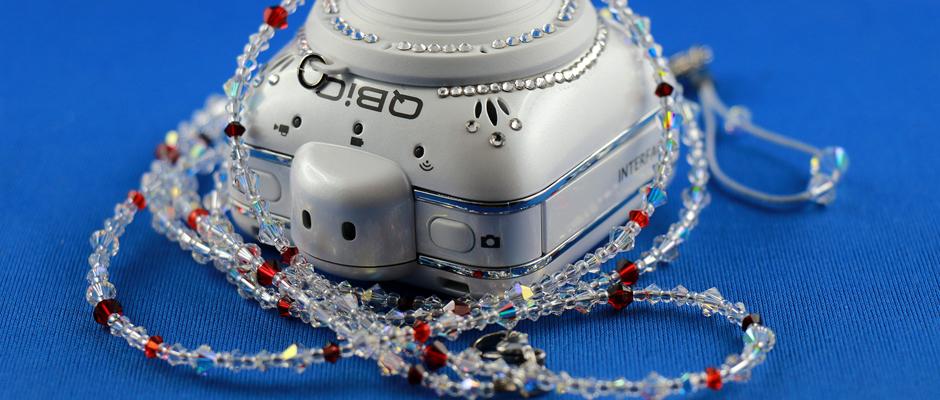 Action Camera ELMO QBiC mit Swarovski-Dekor